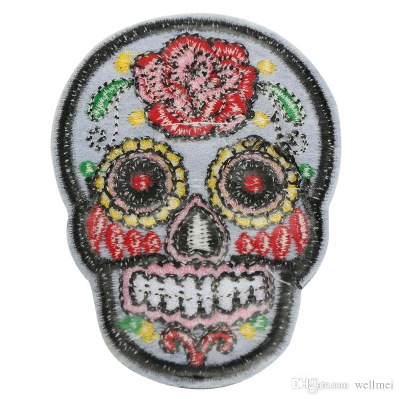 Remendo DIY Crânio Bordado Patches Emblemas De Tecido Ferro-Em Costura Para Sacos Patches Roupas Chapéu Ornamento Decorativo