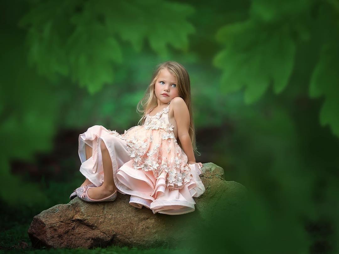 Cute Różowy 3d Kwiatowy Appliqued Flower Girl Sukienki Specjalne okazje Na Wesela Dzieci Korowody Suknie Kolano Długość Koleńska Dress Communion Dress