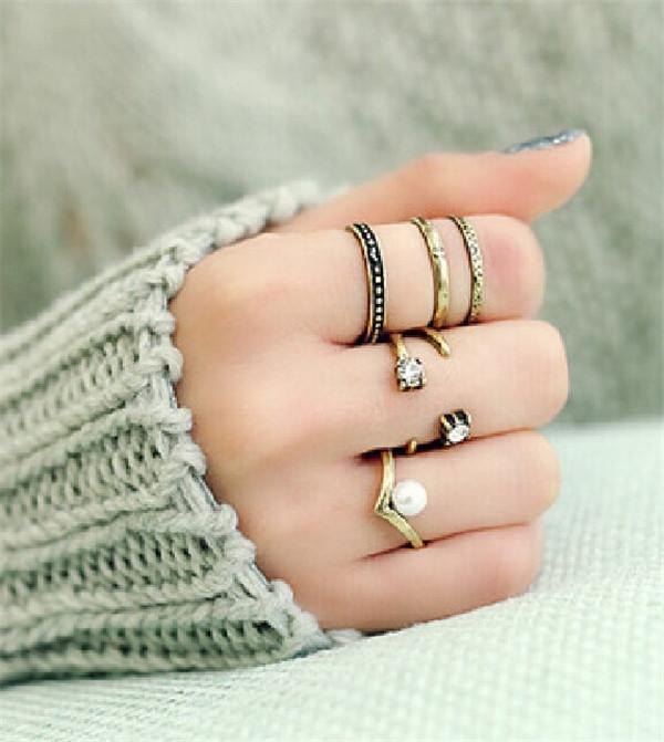0aaef45a48 2019 Butterfly Korean Small Fresh V Shaped Pearl Diamond Geometry Three  Sets Group 3 Joint Ring From Longxing03, $2.35 | DHgate.Com