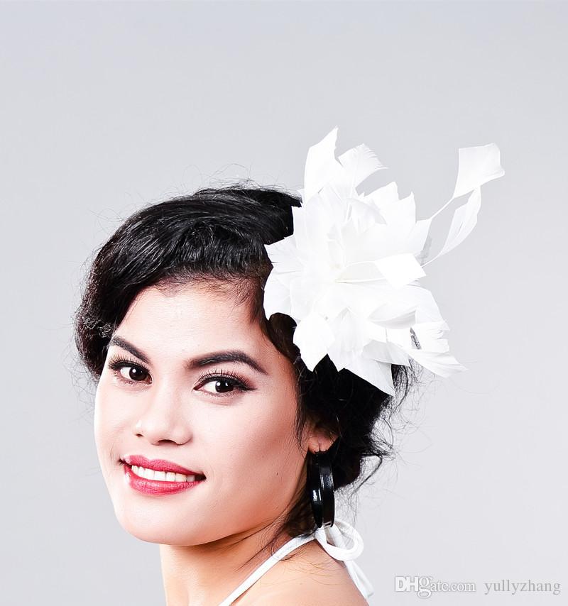 Livraison gratuite Les Femmes Fantaisie Plume Fascinator Chapeaux Blanc De Mariage Chapeaux et Fascinators plume Accessoires De Cheveux pour La Femme De MariageMD16031
