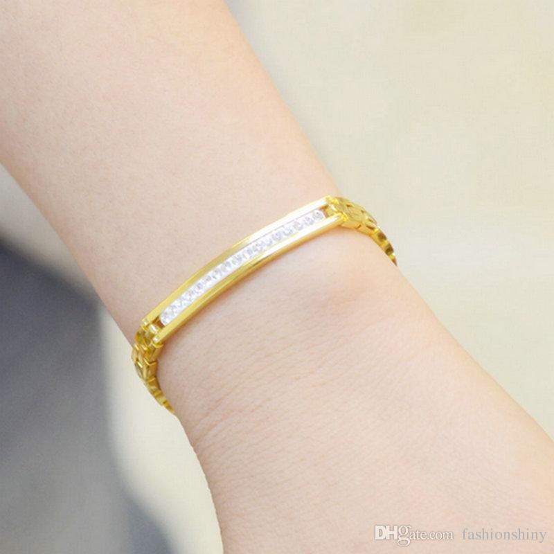 Bracelet de femmes rempli d'or jaune avec des bijoux de charme 18k avec un cristal de rangée 18cm de long