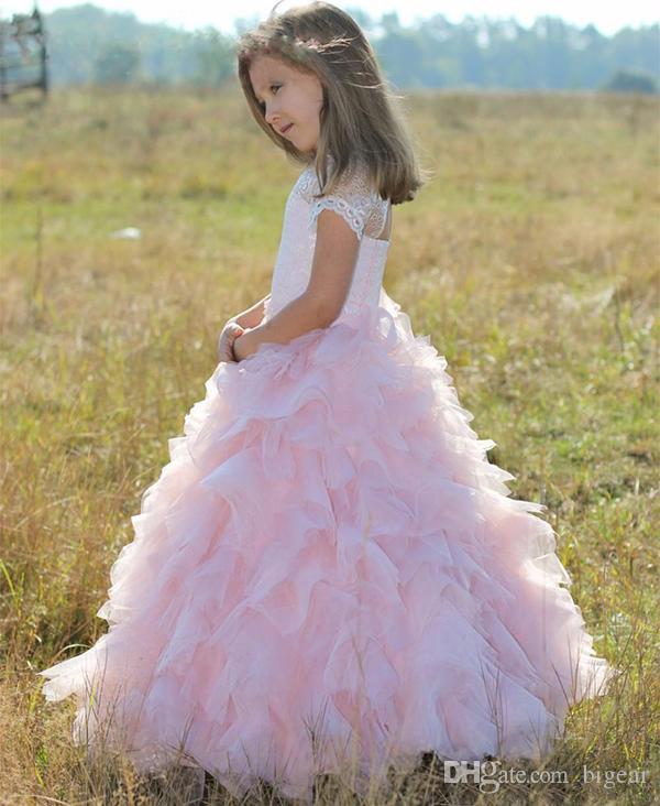 Abito da ragazza con vestitino a fiori rosa a righe con maniche corte