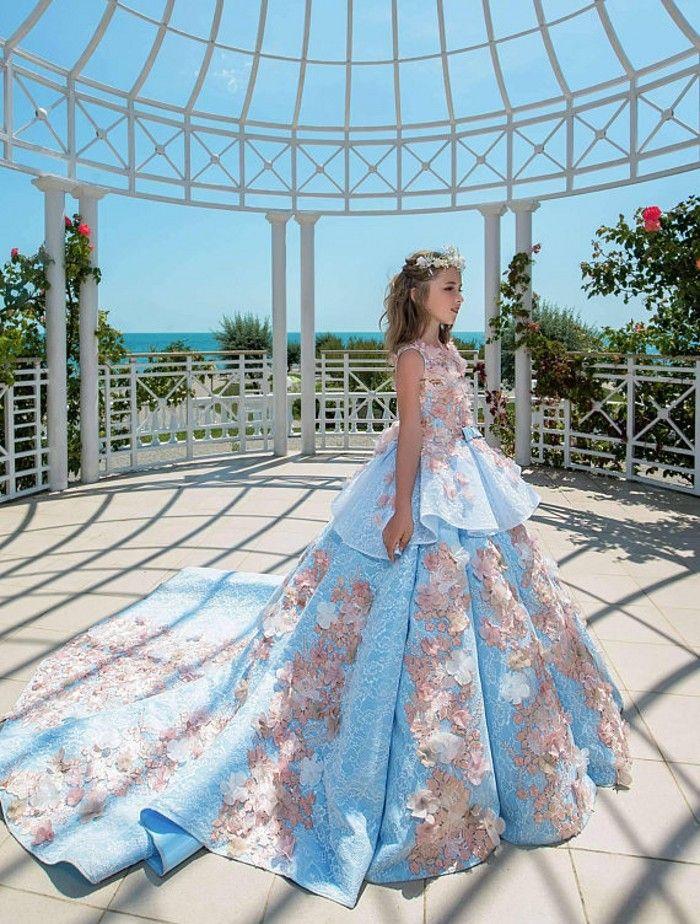 2018 Blue Lace Girls Pageant Dresses Ball Gown Bambini Festa di compleanno Abiti da festa di nozze Principessa adolescente Abiti da bambino Sweep Train