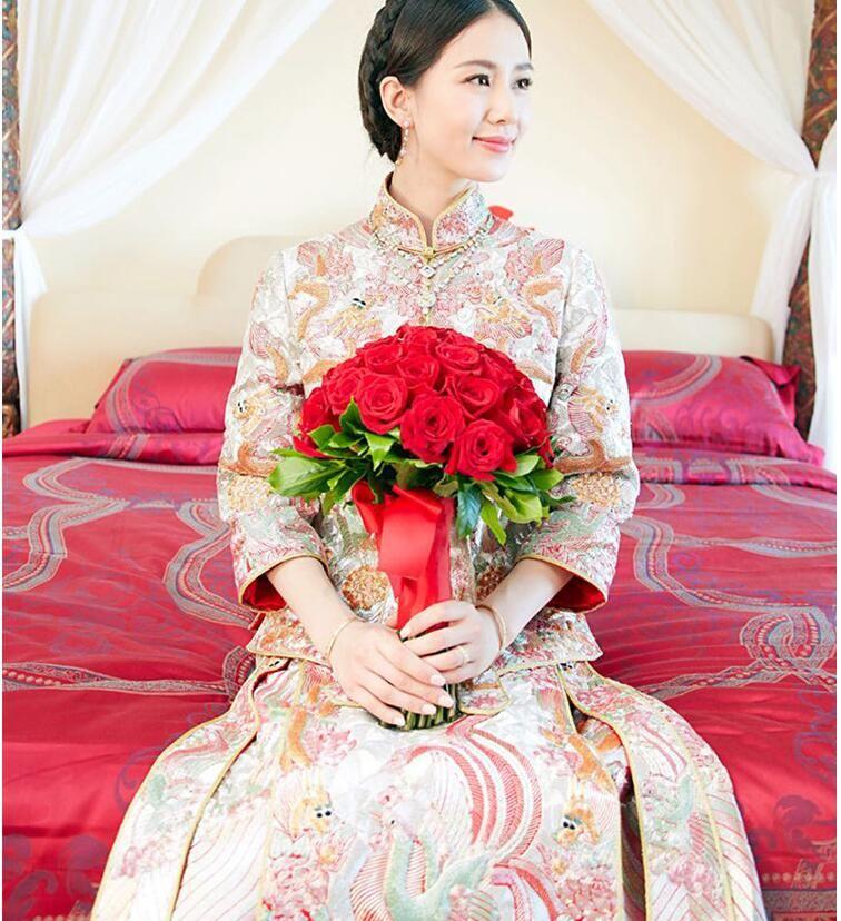 The New Chinese Style Wedding Dress Show Liu Shishi With Wo Gua ...