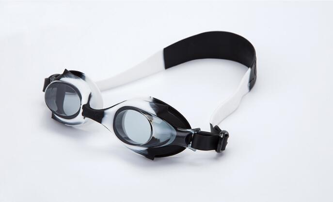 ييويرس تحت الماء Kids swimming goggles عدسة PC antifog كارتون ملون للأطفال تحت 13 عامًا