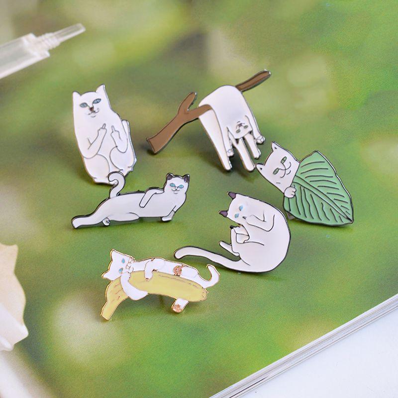 Karikatür Şube Üzerinde Muz Ile Komik Kediler Tasarım Broş Pins Rozeti Pinback Düğme Korsaj Erkek Kadın Çocuk Takı