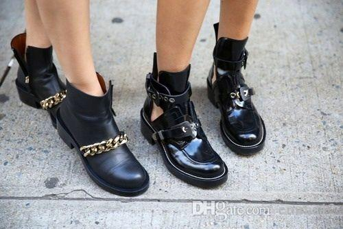 حار بيع 2017 الأزياء المعادن القصاصات الصنادل الانزلاق على سيدة الكاحل جولة تو الشقق امرأة مارتن الأحذية عارضة الأحذية