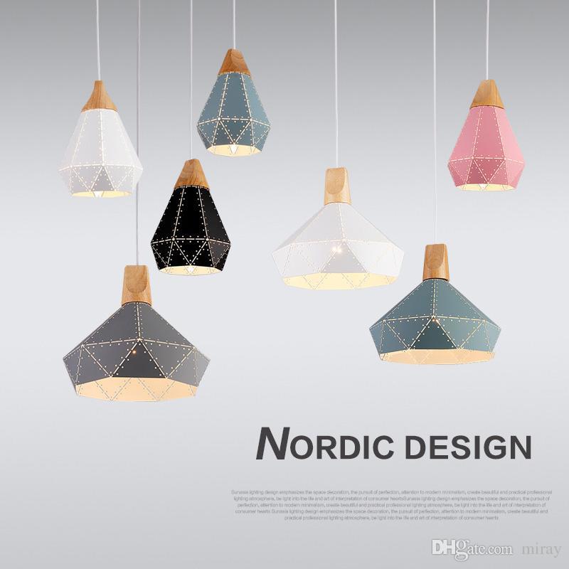 Stok Nordic Yaratıcı Renk Katı Ahşap Restoran Avize Modern Basit Yatak Odası Çalışma Ofisi Dükkanı Sanat Demir Avize