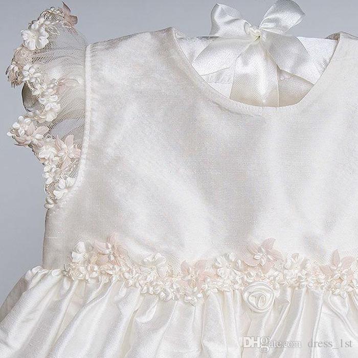Bebé lindo vestidos de bautizo 2016 de la venta caliente de marfil tafetán apliques de manga corta hasta el tobillo vestido de bautismo con diadema personalizado EN110512