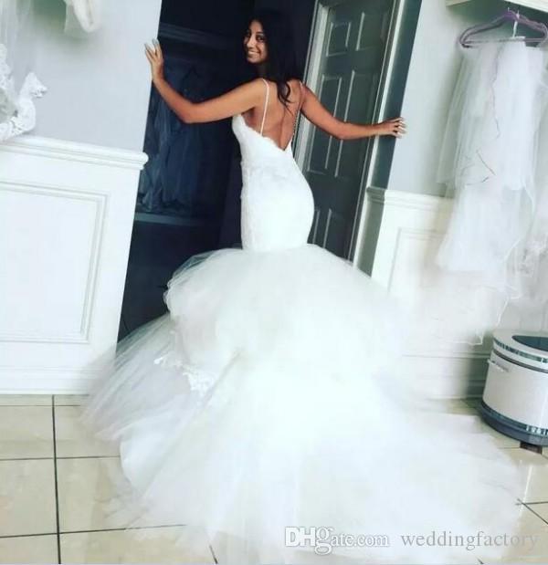 적합 및 플레어 백리스 웨딩 드레스 스위트 아트 스파게티 스트랩 트럼펫 신부 드레스 레이스 탑 얇은 명주 그물 스커트 우아한 웨딩 드레스