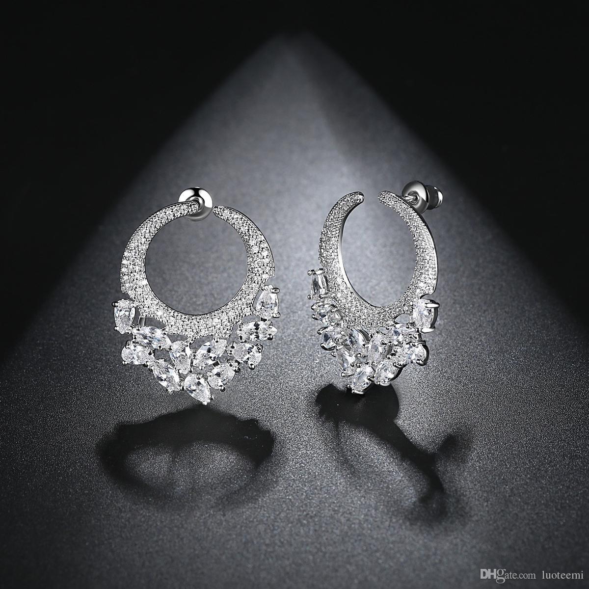 Diseño redondo Stud Pendientes con Clear Cubic Zirconia Oro blanco plateado Pendientes boda Regalo para Mujer Joyería LUOTEEMI