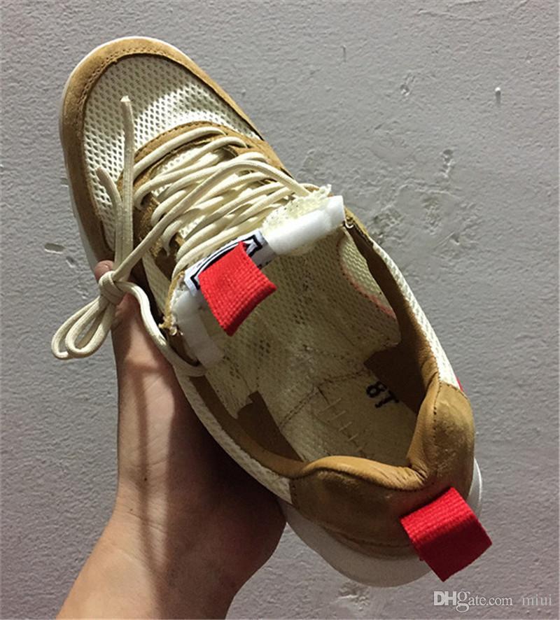 Yeni Yayımlanan Tom Sachs Zanaat Mars Yard TS NASA 2.0 Ayakkabı AA2261-100 Doğal / Spor Kırmızı-Akçaağaç Unisex Nedensel Ayakkabı Boyutu 36-45