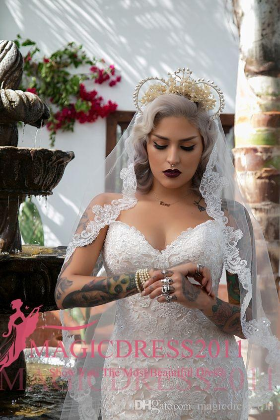 Chic 2017 Mermaid Lace Wedding Dresses Open Back Sweetheart Heavily Embellishment Plus size Court Train Vintage Garden Beach Bridal Gowns