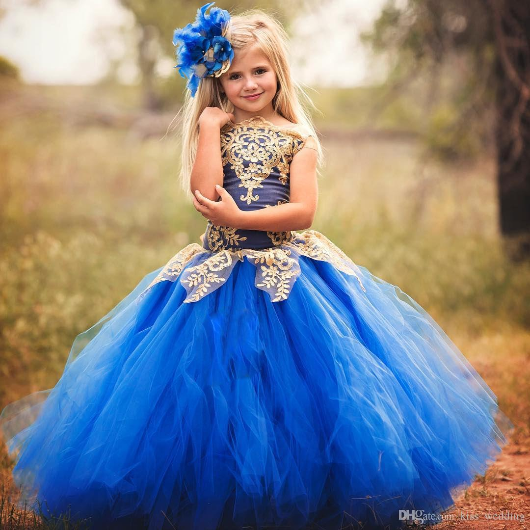 Bonito Azul Tulle Vestido Até O Chão Adolescentes Desgaste Formal Com Apliques De Ouro Júnior Dama de Honra Vestidos Barco Pescoço Crianças Vestido de Baile Meninas