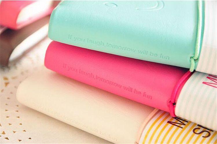 Negócios e Estudantes Bonito Colorido Mini Sorriso Caderno De Couro 7.5 * .12.5 CM 192 Folhas De Fio Encadernado 90 g / pc Diário De Moda