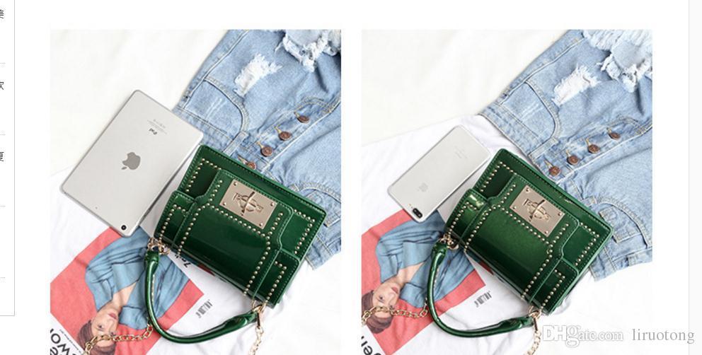 Le nouveau 2017 rivet de la mode européenne et américaine petit sac carré chaîne sac à main le sac à bandoulière connaissement