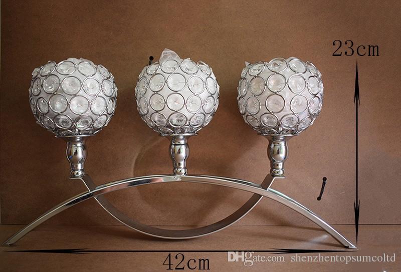 Lujoso 3-escritorio de cristal candelabro de metal plateado candelabro de plata para el hogar decoración de candelabros de la boda