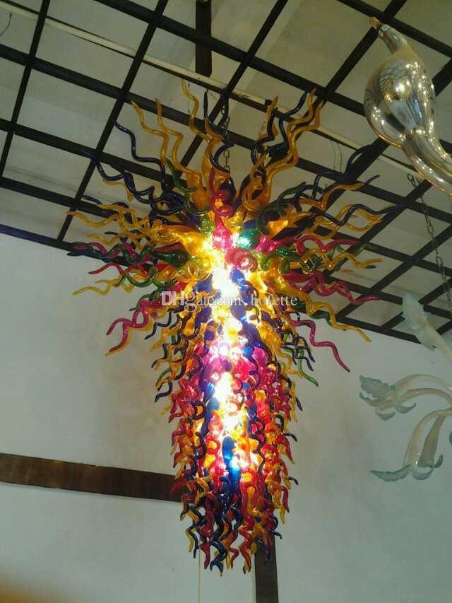 Grandi lampadari ben progettati del candeliere Cristallo moderno decorativo decorativo su ordinazione colorato di vetro di arte libero di trasporto