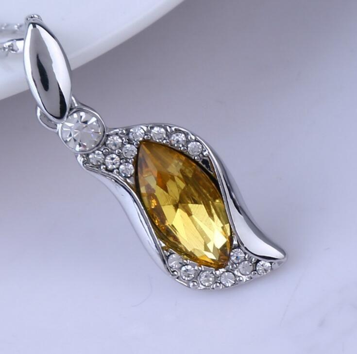 Good A++ Austrian Crystal Horse Eye Link Women's Alloy Pendant WFN100 with chain a