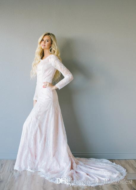 Robes de mariée modestes en dentelle de dentelle rose avec manches longues col de bijou manches robes de mariée sur mesure style campagnard