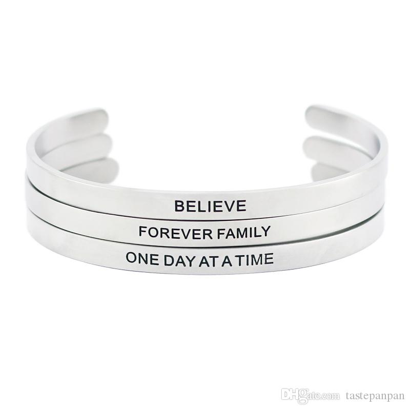 Hommes en acier inoxydable gravé de citation inspirante positive à la main Bar bracelet bracelet bracelet mantra bracelet pour hommes grande taille