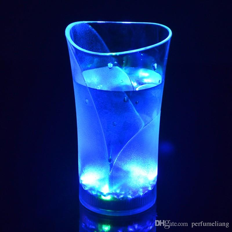 Nachtclub LED Blinkende Gläser LED Leuchtsensor Tasse für Geburtstagsfeier Urlaub Hochzeit Club Halloween Chirstmas Geschenk S201743