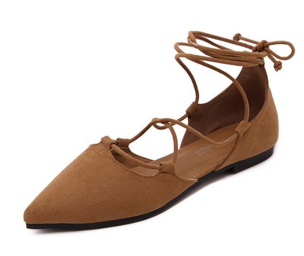 Yüksek kalite yeni yaz kadın düz sivri kapalı ayak sandalet lace up çapraz askıları süet rahat kadın tasarımcı sandalet ayakkabı oymak