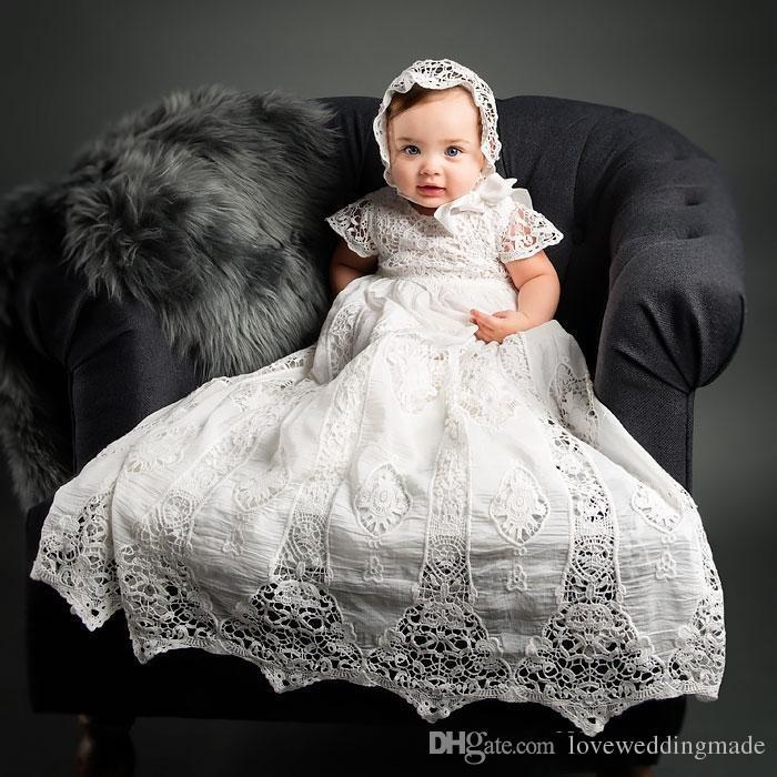 Abiti da battesimo del neonato applique del neonato classico 2019 con le maniche corte gli abiti di battesimo della neonata con il cappello
