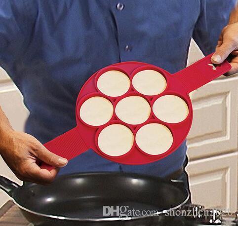 2017 Flippin Fantástica forma rápida y fácil de hacer panqueques perfectos antiadherente fabricante de panqueques huevo fabricante de moldes de cocina para hornear moldes