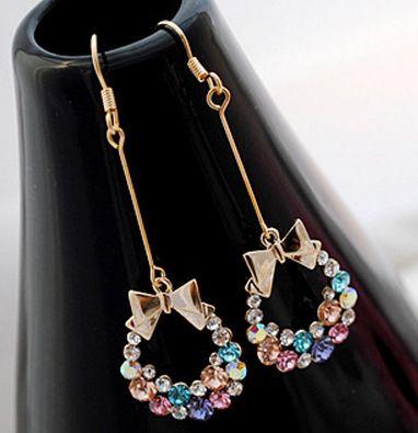 Pendientes de arco lleno de diamantes Stud Retro exquisito flor mujeres pendientes de los encantos de la joyería para la boda del regalo del partido 2017 venta caliente