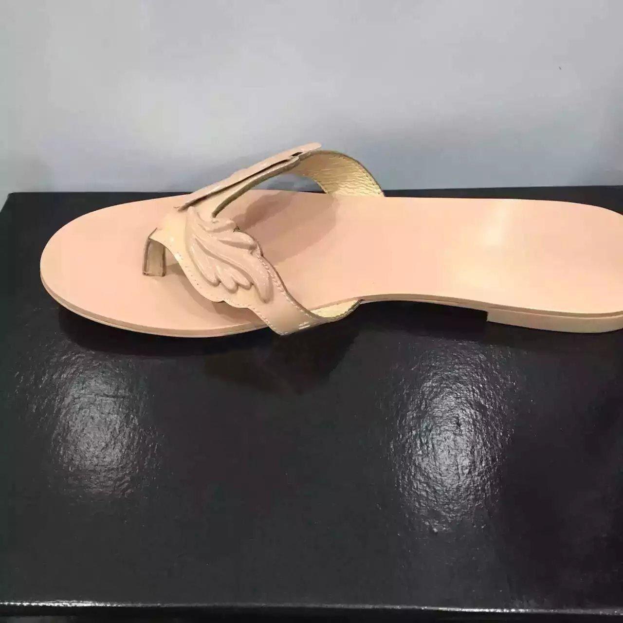 Chaude Été Femmes Pantoufles Chaussures Casual Femme Appartements Feuille Sandales Glisser Sur Chaussures de Plage Flip Flops Or Rouge Nude Argent