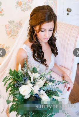 Chegada Nova 2020 Summer Beach de vestidos linha do casamento Illusion corpete bordado V Neck Botões coberto para trás Modern Boho nupcial do casamento Vestidos