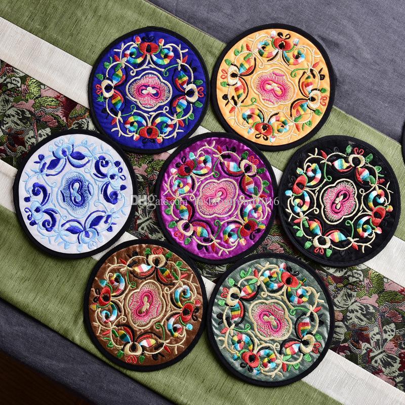 Çin Tarzı Bez Coaster Yuvarlak Işlemeli Fincan Mat Renkli Placemat Içecek Bardak Masa Tutucu Dekorasyon Mutfak Aksesuarları Için
