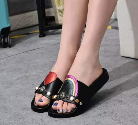 best quality~u737 black genuine leather rainbow heart shaped slides shoes sandals summer beach casual designer runway flip flops g