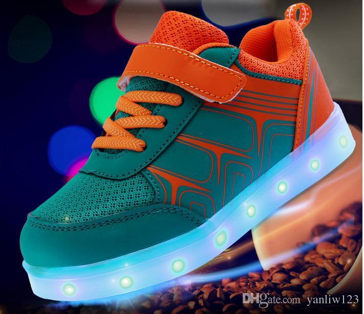 Neue Kinderschuhe Magic Lamp Light LED USB Schuhe Led Schuhe Großhandel Sneaker Europäische Schuhgröße: 25-36