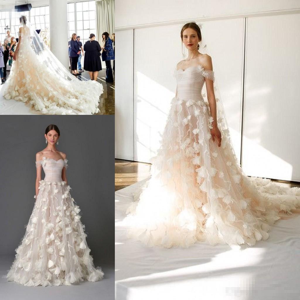 Discount Marchesa 2017 3d Floral Princess Off Shoulder Wedding Dresses Elegant Modest Arabic Dubai Royal Train Handmade Flower Bridal Gown