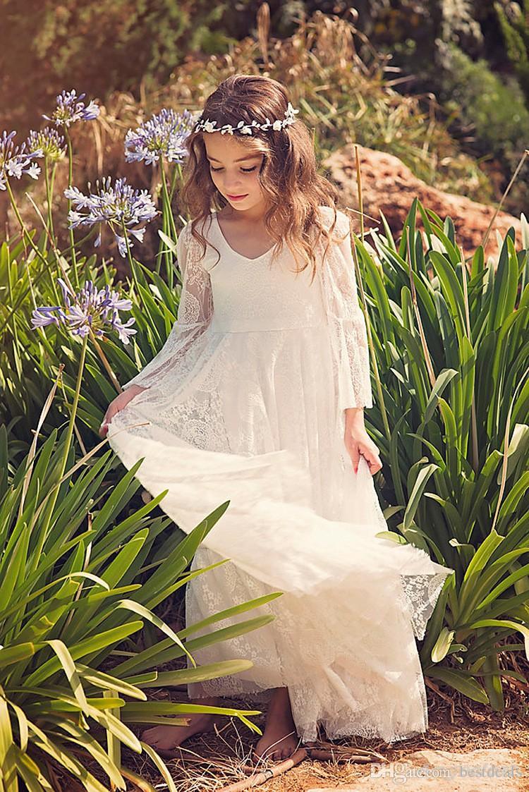 2020 Новый Пляж Цветочница платье белого цвета слоновой кости Boho Первое причастие платье для маленькой девочки V-образным вырезом с длинным рукавом A-Line Дешевые платье Дети Свадьба
