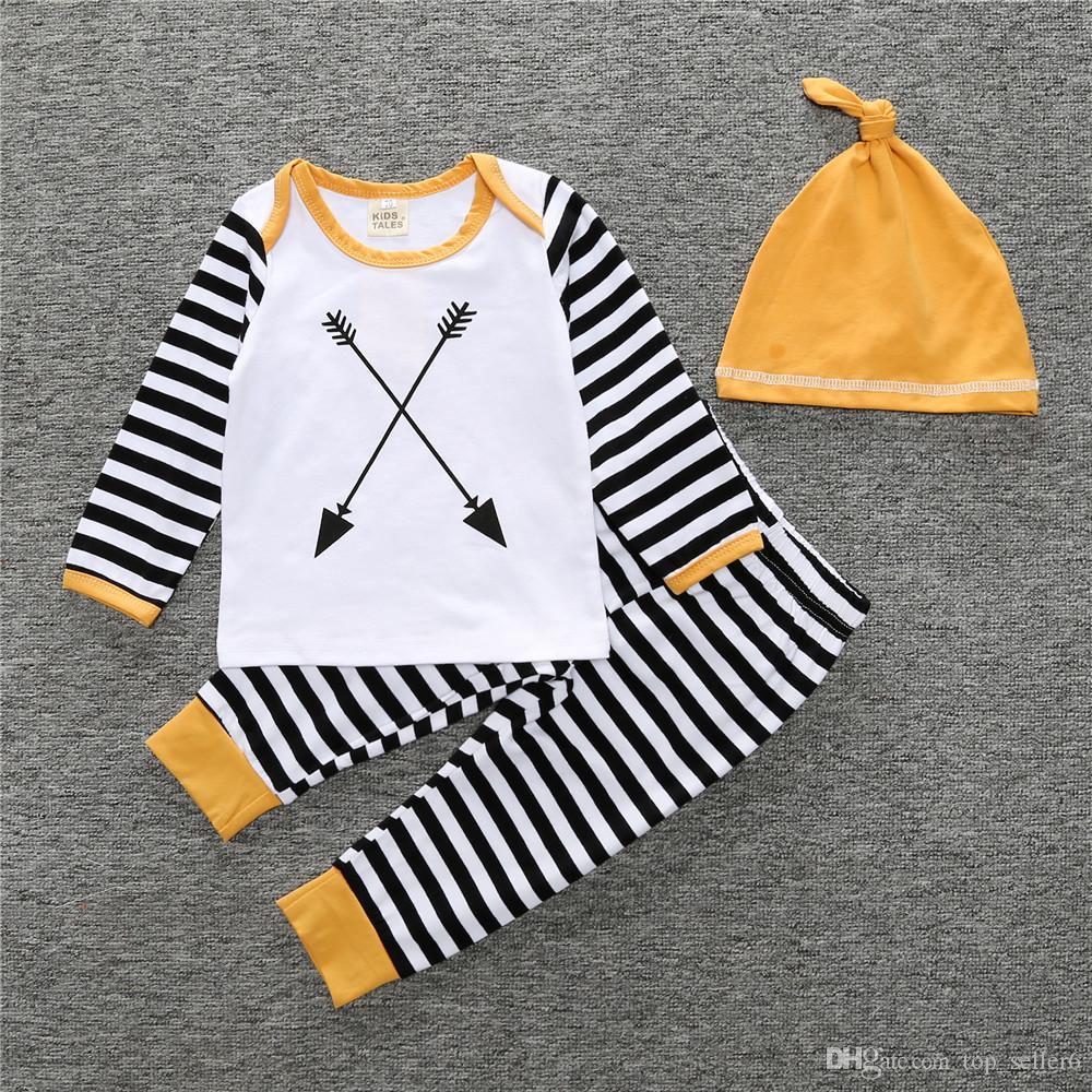 74d811469b1cf Acheter INS Bébé Vêtements Nouveau Né Garçons Filles Coton Jaune Flèche Rayé  Infantile Tenue Bébé Tops Pantalon Chapeau Ensemble Enfants Vêtements Pour  ...