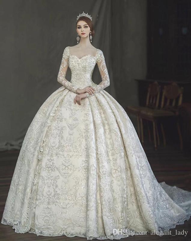Abito da sposa vintage in stile vittoriano gotico con balze 2018 Incredibile abito da sposa in pizzo con perlato a sirena a manica lunga in Arabia