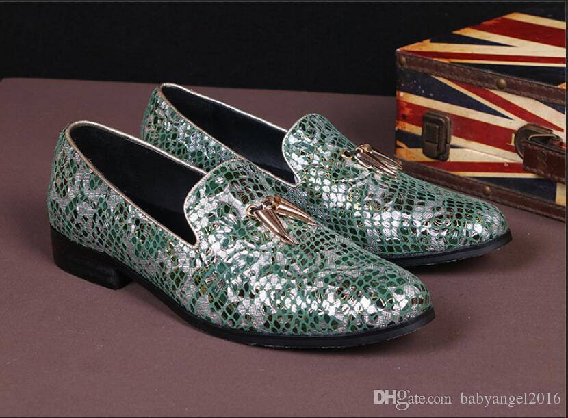 Der Loafer-Freizeit-Schuh-grüne runde Zehen-Beleg der Modedesigner-Männer auf Leder-Schuhen für beiläufige flache Bootsschuhe 38-46 der Männer