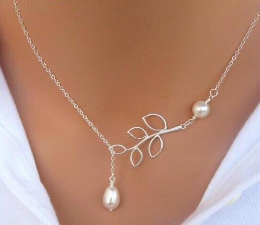 Fine Jewelry Frauen Perlen-Blatt-hängende Halsketten-Entwurfs-Silber-Überzug-Dame-Partei-Kleid-Charme Unendlichkeit Kette Perlenkette Weihnachtsgeschenk