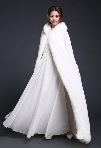 Asya Tasarım Kış Pelerin Kapşonlu Modern Bayanlar Düğün için Pelerin% 100 Yüksek Kaliteli Faux Kürk