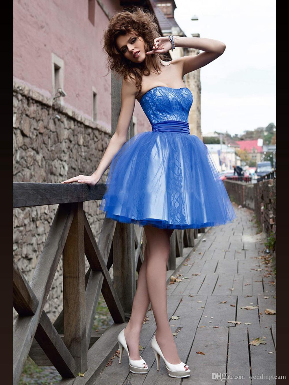 Sweet Blue Ball Gown Homecoming Abiti senza spalline in pizzo Tulle Mini breve Puffy Prom Dress Custom Made Party Gown adolescenti