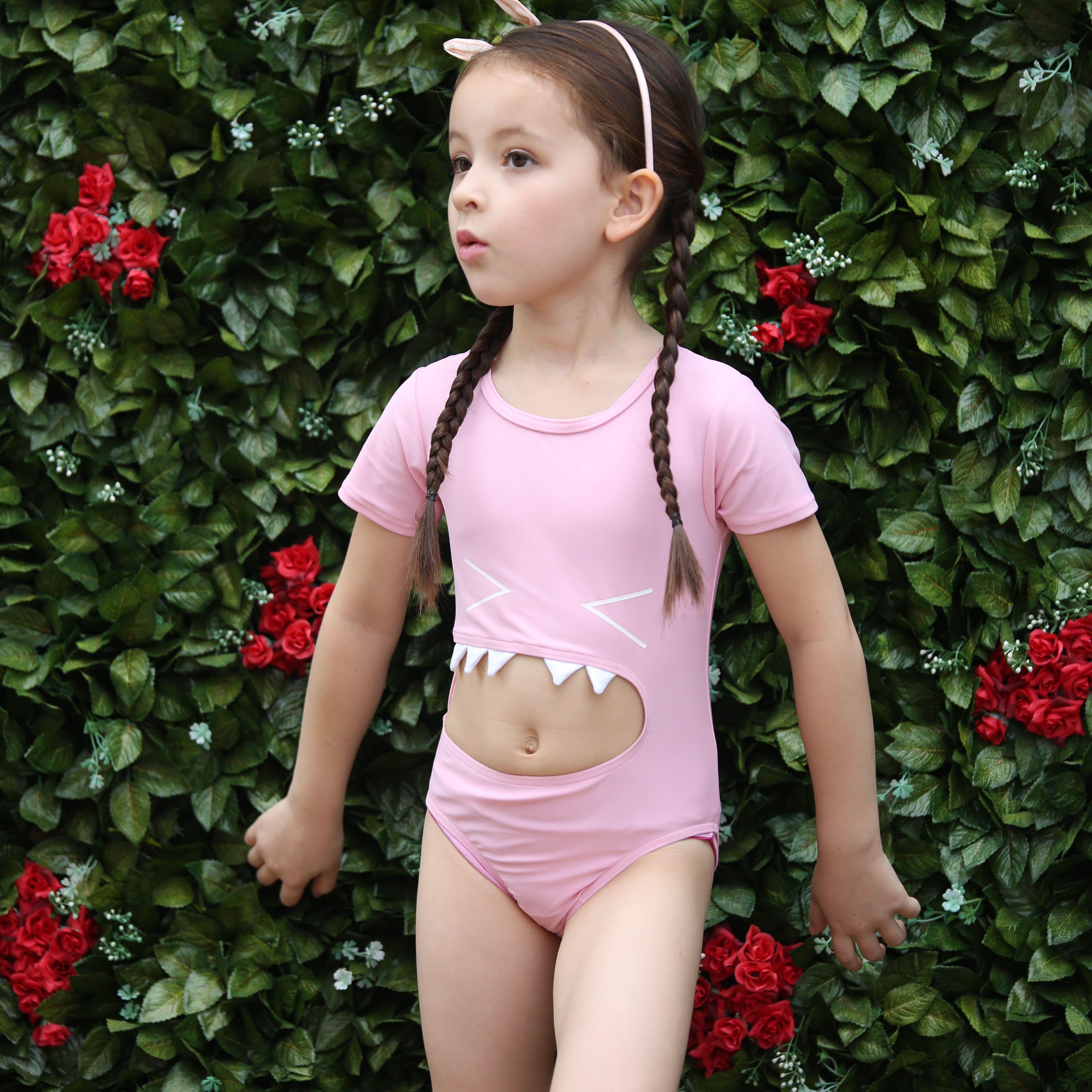 f5ea1102f5e 2019 2017 New Children Cartoon Swimwear Girls One Piece Short Sleeve  Swimwear With Swimming Cap Highly Elastic Swimwear From Minniehoney, $24.73  | DHgate.