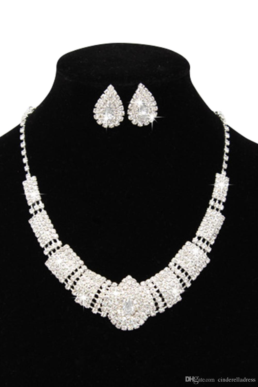 2017 Luxury Rhinestone Bridal Accessories Wedding Jewelery Sets Necklace Earrings Accessories Two Pieces Cheap Fashion Style Hot CPA797