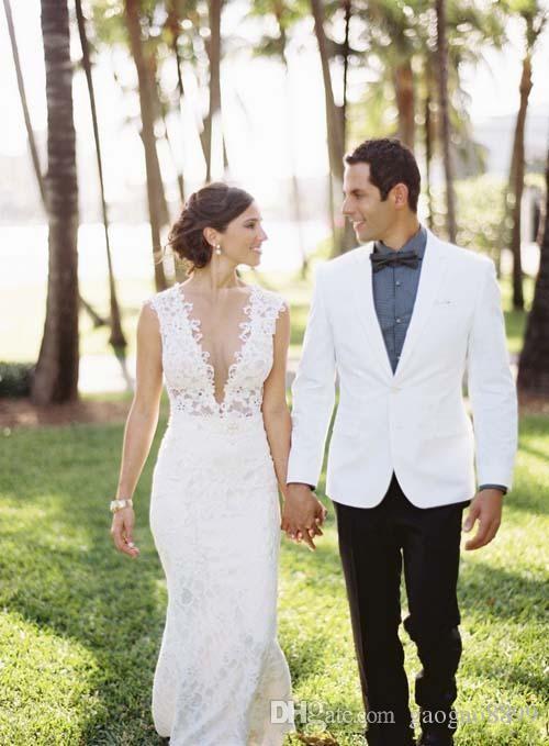 2019 Modest Mermaid Full Lace Country Bohemian Wedding Dresses Sexy V Neck With Button Back Boho Bridal Gowns vestidos de novia