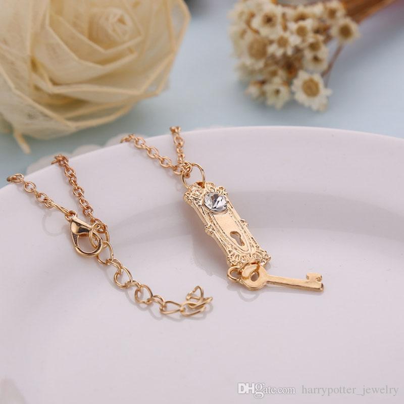 cristal colar de diamantes bloqueio Golden Key Pendant colares para as mulheres declaração Filme de jóias presente de Natal hip navio jóias hop queda