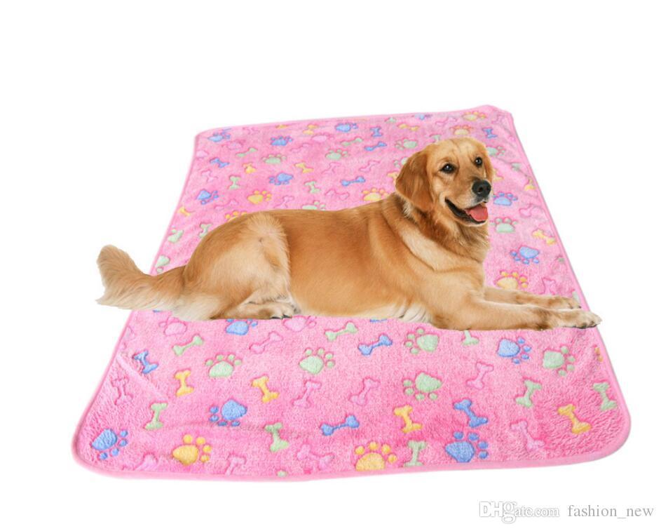2017 New 3 Sizes Cute Pet Warm Bone Paw Print Dog Puppy Fleece Soft Blanket Beds Mat Blanket Pet Products Autumn Winter mat