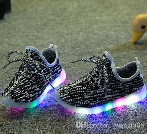 2017 primavera Outono Crianças Meninas Do Bebê treinador menino tenis LED Sapatos de Luz Criança Anti-Slip Botas Esportivas Crianças Sneakers Crianças Dos Desenhos Animados Apartamentos