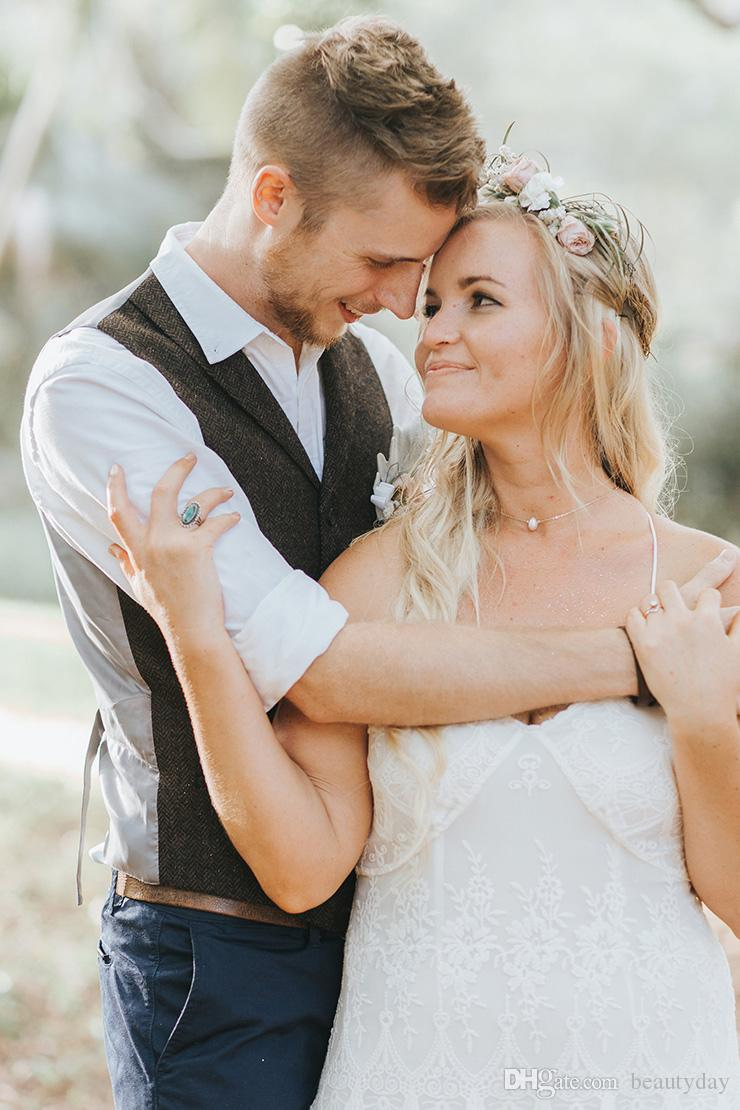 2019 escuro fazenda Brown noivo coletes de lã espinha Tweed Custom Made Groomsmen Traje Slim Fit Mens Prom Dress Wedding Colete Plus Size